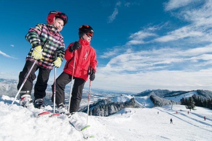 Mit großer Überzeugungsarbeit wurde das beliebte Dreiländereck für den Wintersport und als sommerliches Ausflugsziel für die Bevölkerung gerettet.Foto: Marktgemeinde Arnoldstein